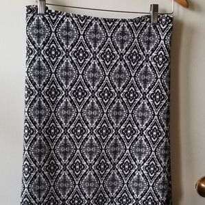 Jessica Simpson Black and White Patterened Skirt